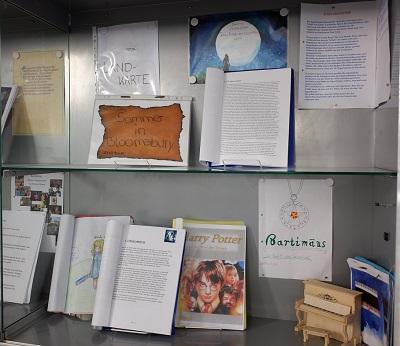 Klasse 8C-Literaturprojekt-Foto-Schaukasten2